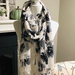 Beautiful floral fashion scarf